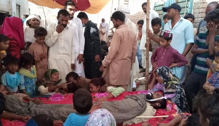 Pakistan: Muslim mob murders Christian for trying to defend his sister whom Muslims had stripped naked in street