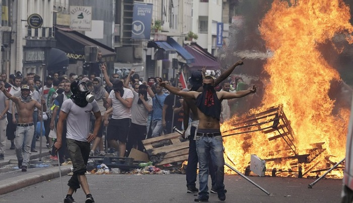 France bans pro-Palestinian protests for 'serious disturbance of public order'